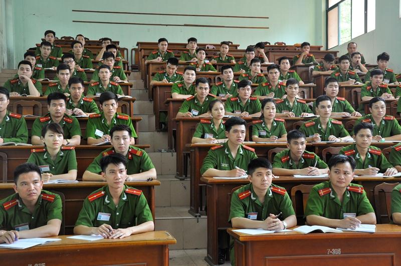 Nâng cao chất lượng, hiệu quả giảng dạy các môn lý luận chính trị nhằm giáo dục chính trị, tư tưởng cho học viên Trường Đại học PCCC