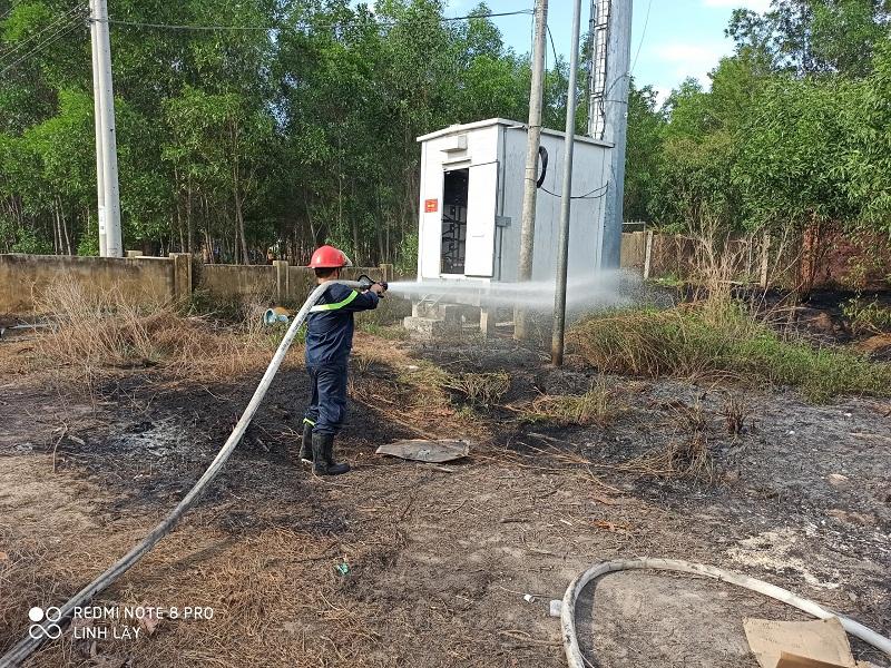 Đội Chữa cháy và cứu nạn, cứu hộ học tập Cơ sở 3 Trường Đại học PCCC tham gia chữa cháy bảo vệ thành công trạm thu phát sóng di động