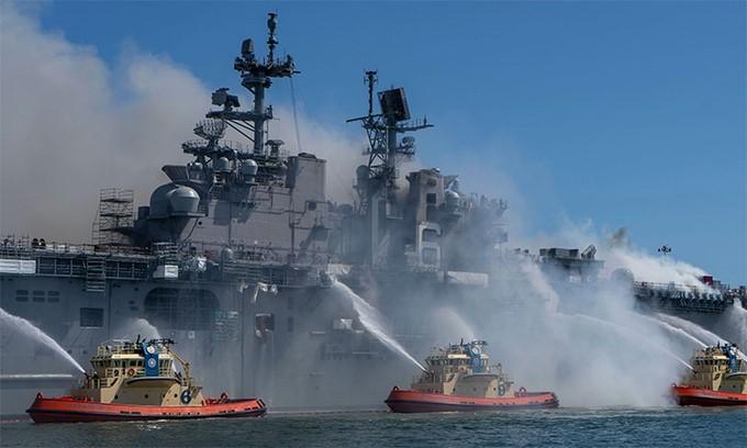 Tàu đổ bộ tỷ đô Mỹ có thể vô phương cứu chữa