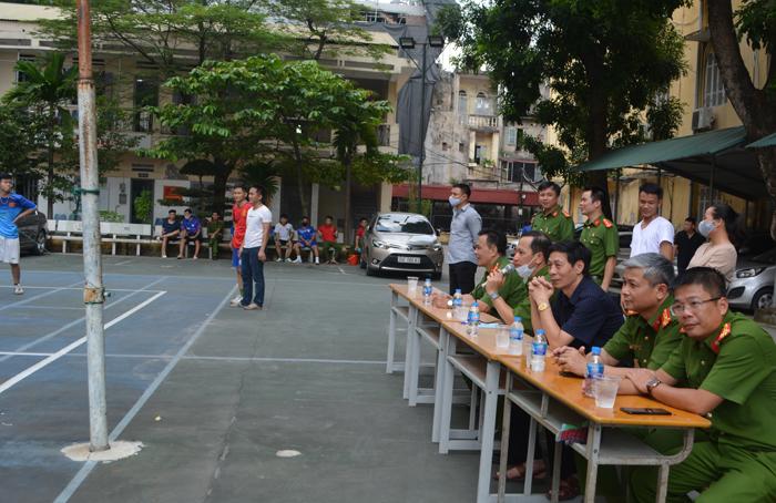 Giao lưu bóng chuyền chào mừng Đại hội Đảng bộ Trường Đại học PCCC