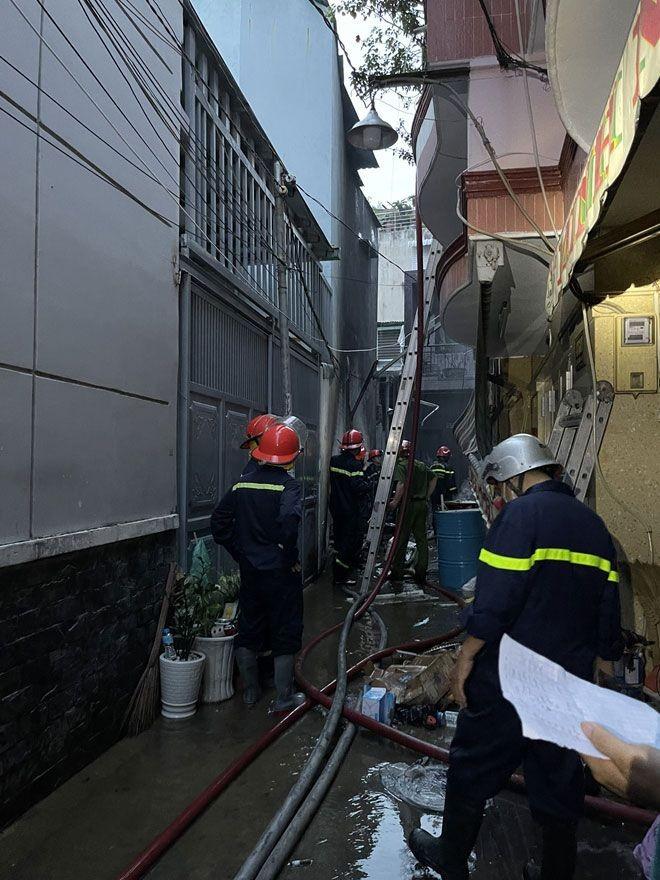 Lối thoát hiểm an toàn cho nhà ống