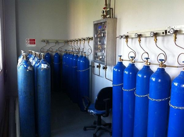 Nguy cơ cháy nổ từ việc tích trữ máy thở, bình khí ô xy tại nhà