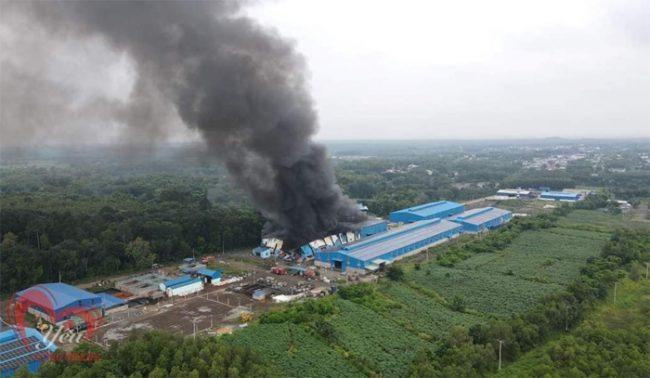 Đội Chữa cháy và cứu nạn, cứu hộ học tập cơ sở 3 Trường Đại học PCCC tham gia chữa cháy tại Công ty Cổ phần môi trường Tân Thiên Nhiên